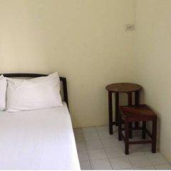 Отель Chart Guesthouse Бангкок комната для гостей фото 2