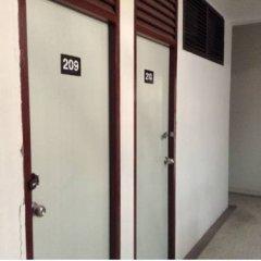 Отель Chart Guesthouse Бангкок интерьер отеля фото 3