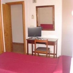 Отель Hostal Talamanca удобства в номере