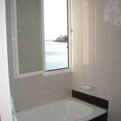Отель Hostal Talamanca ванная фото 2