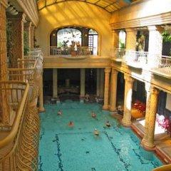 Отель Corvin Hotel Budapest - Sissi wing Венгрия, Будапешт - 2 отзыва об отеле, цены и фото номеров - забронировать отель Corvin Hotel Budapest - Sissi wing онлайн бассейн фото 2
