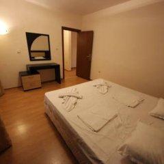 Апартаменты Menada Eden Apartments Солнечный берег комната для гостей фото 2
