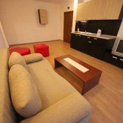 Апартаменты Menada Eden Apartments Солнечный берег комната для гостей фото 3