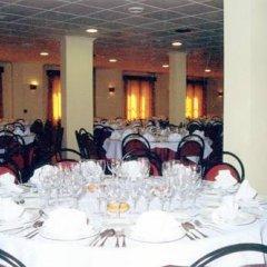 Отель Picon De Sierra Nevada Испания, Сьерра-Невада - отзывы, цены и фото номеров - забронировать отель Picon De Sierra Nevada онлайн помещение для мероприятий фото 2