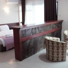 West Ada Inn Hotel в номере