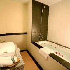 Отель Honey Resort, Kata Beach Таиланд, Пхукет - 1 отзыв об отеле, цены и фото номеров - забронировать отель Honey Resort, Kata Beach онлайн ванная фото 2
