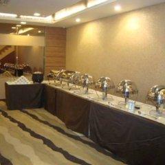 Отель Liv Inn - Naraina Индия, Нью-Дели - отзывы, цены и фото номеров - забронировать отель Liv Inn - Naraina онлайн питание фото 3