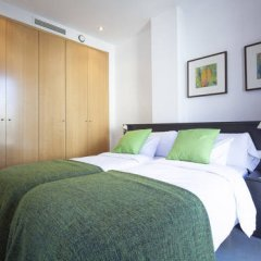 Апартаменты Bonavista Apartments - Virreina комната для гостей фото 5