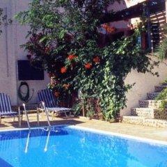 Отель Studios Irineos Греция, Остров Санторини - отзывы, цены и фото номеров - забронировать отель Studios Irineos онлайн бассейн фото 3