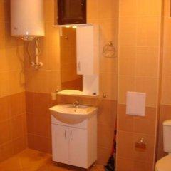 Отель Guest House Brestnik 2 Болгария, Плевен - отзывы, цены и фото номеров - забронировать отель Guest House Brestnik 2 онлайн ванная