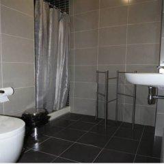 Отель Apartamentos Camparina Испания, Льянес - отзывы, цены и фото номеров - забронировать отель Apartamentos Camparina онлайн ванная