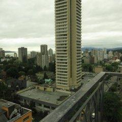 Отель Tropicana Suite Hotel Канада, Ванкувер - отзывы, цены и фото номеров - забронировать отель Tropicana Suite Hotel онлайн балкон