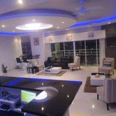 Отель Vtsix Condo Service at View Talay Condo гостиничный бар