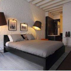 Отель Room Grand-Place Брюссель комната для гостей фото 2