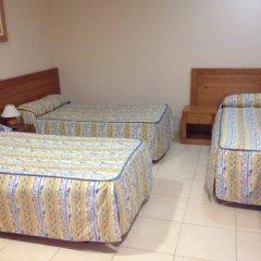 Отель Hostal Aeropuerto комната для гостей