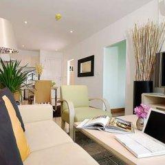 Отель The Point Condominium Таиланд, Пхукет - отзывы, цены и фото номеров - забронировать отель The Point Condominium онлайн комната для гостей фото 4