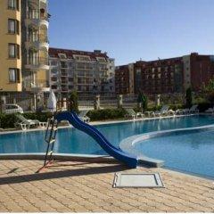 Отель Sunny House Apart Hotel Болгария, Солнечный берег - отзывы, цены и фото номеров - забронировать отель Sunny House Apart Hotel онлайн бассейн фото 2