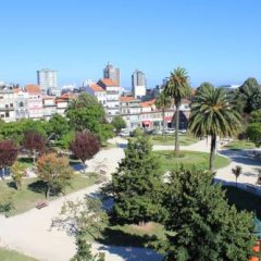 Отель Family & Fun !! Oporto Low Cost Rooms