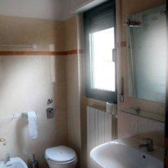 Отель Euro Inn B&B Милан ванная фото 3