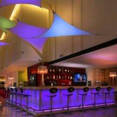 Отель Ibis Singapore On Bencoolen Сингапур бассейн