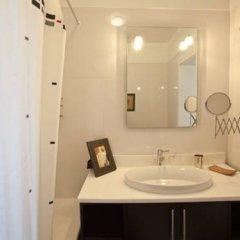 Отель Traveling To Lisbon Graca Apartments Португалия, Лиссабон - отзывы, цены и фото номеров - забронировать отель Traveling To Lisbon Graca Apartments онлайн ванная
