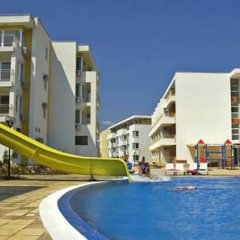 Отель PMG Nessebar Fort Apartments Болгария, Солнечный берег - отзывы, цены и фото номеров - забронировать отель PMG Nessebar Fort Apartments онлайн бассейн фото 3