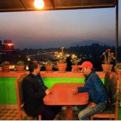 Отель Palagya Hotel & Restaurant Непал, Катманду - отзывы, цены и фото номеров - забронировать отель Palagya Hotel & Restaurant онлайн питание