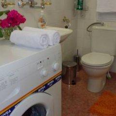 Отель Zoya Apartment Болгария, Бургас - отзывы, цены и фото номеров - забронировать отель Zoya Apartment онлайн ванная фото 2