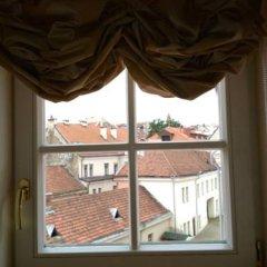 Отель Writers Apartment Литва, Вильнюс - 2 отзыва об отеле, цены и фото номеров - забронировать отель Writers Apartment онлайн комната для гостей фото 4