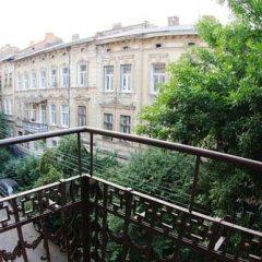 Гостиница Austrian Lviv Apartments Украина, Львов - отзывы, цены и фото номеров - забронировать гостиницу Austrian Lviv Apartments онлайн балкон