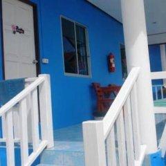 Отель Baan Rae Koh Larn Таиланд, Ко-Лан - отзывы, цены и фото номеров - забронировать отель Baan Rae Koh Larn онлайн балкон