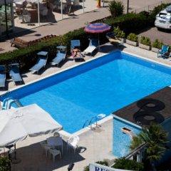 Отель Residence Record Римини бассейн фото 2