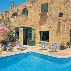 Отель Steves Villas бассейн фото 3