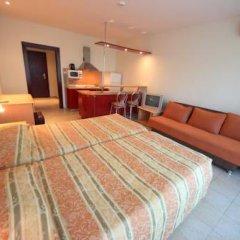 Апартаменты Menada Planeta Apartments Солнечный берег комната для гостей