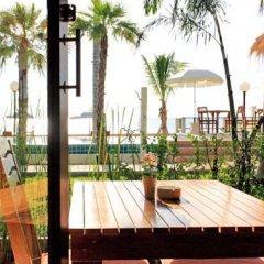 Отель The Sea House Beach Resort балкон