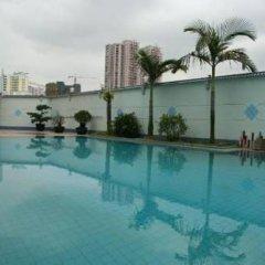 Отель Xiamen Huaqiao Hotel Китай, Сямынь - отзывы, цены и фото номеров - забронировать отель Xiamen Huaqiao Hotel онлайн бассейн фото 3