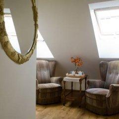Отель Writers Apartment Литва, Вильнюс - 2 отзыва об отеле, цены и фото номеров - забронировать отель Writers Apartment онлайн интерьер отеля