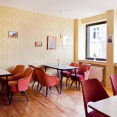 Отель Hostel die Wohngemeinschaft Германия, Кёльн - отзывы, цены и фото номеров - забронировать отель Hostel die Wohngemeinschaft онлайн питание