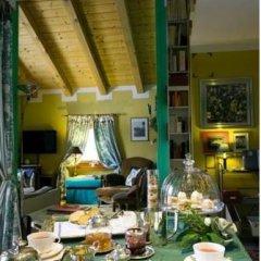 Отель Il Giardino Dell'Artemisia Италия, Грессан - отзывы, цены и фото номеров - забронировать отель Il Giardino Dell'Artemisia онлайн питание фото 3