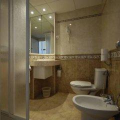Отель Marian Platja Курорт Росес ванная фото 2