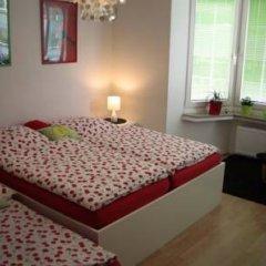 Апартаменты Apartment Bett Am Rhein Дюссельдорф комната для гостей фото 5