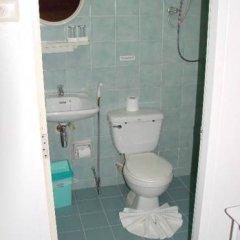 Отель The Kata Resort ванная фото 2