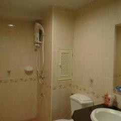 Отель The Green Residence: Rama 9 Таиланд, Бангкок - отзывы, цены и фото номеров - забронировать отель The Green Residence: Rama 9 онлайн ванная фото 2