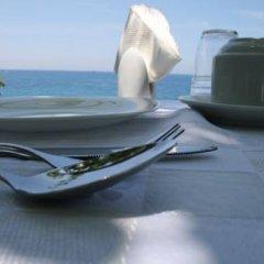 Отель Mare Bed & Breakfast Himara бассейн фото 3
