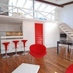 Отель Studios Paris Appartement Under The Stars Франция, Париж - отзывы, цены и фото номеров - забронировать отель Studios Paris Appartement Under The Stars онлайн гостиничный бар