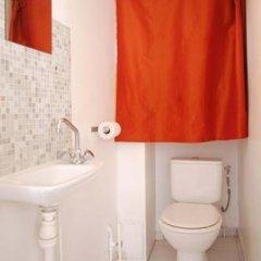 Отель Studios Paris Appartement Under The Stars Франция, Париж - отзывы, цены и фото номеров - забронировать отель Studios Paris Appartement Under The Stars онлайн ванная фото 2