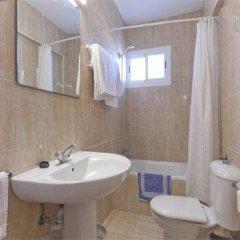 Отель Apartamentos Kensington ванная фото 2