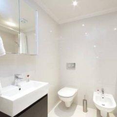 Отель Claverley Court Apartments Великобритания, Лондон - отзывы, цены и фото номеров - забронировать отель Claverley Court Apartments онлайн ванная фото 2