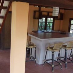 Отель Jungle House at Siboya Bungalows гостиничный бар
