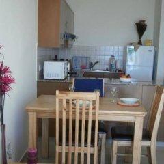 Апартаменты Paschali Hills Apartments в номере